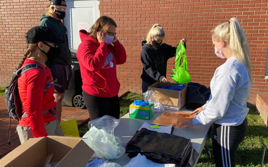 2020 Rogers Scholar Kara Davis organizes Casey County cleanup project